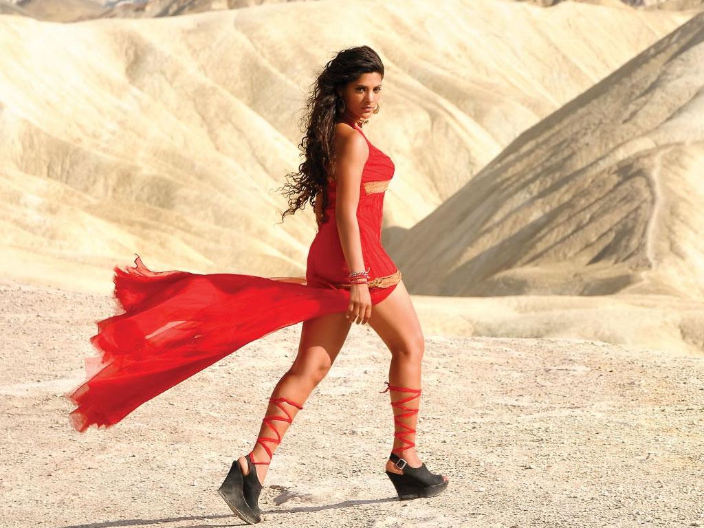 Saiyami Kher Hot Pics In Bikini