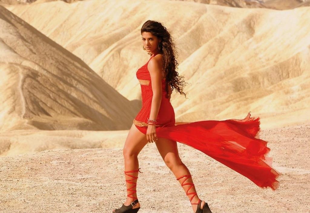 Saiyami Kher Hot Topless Wallpapers