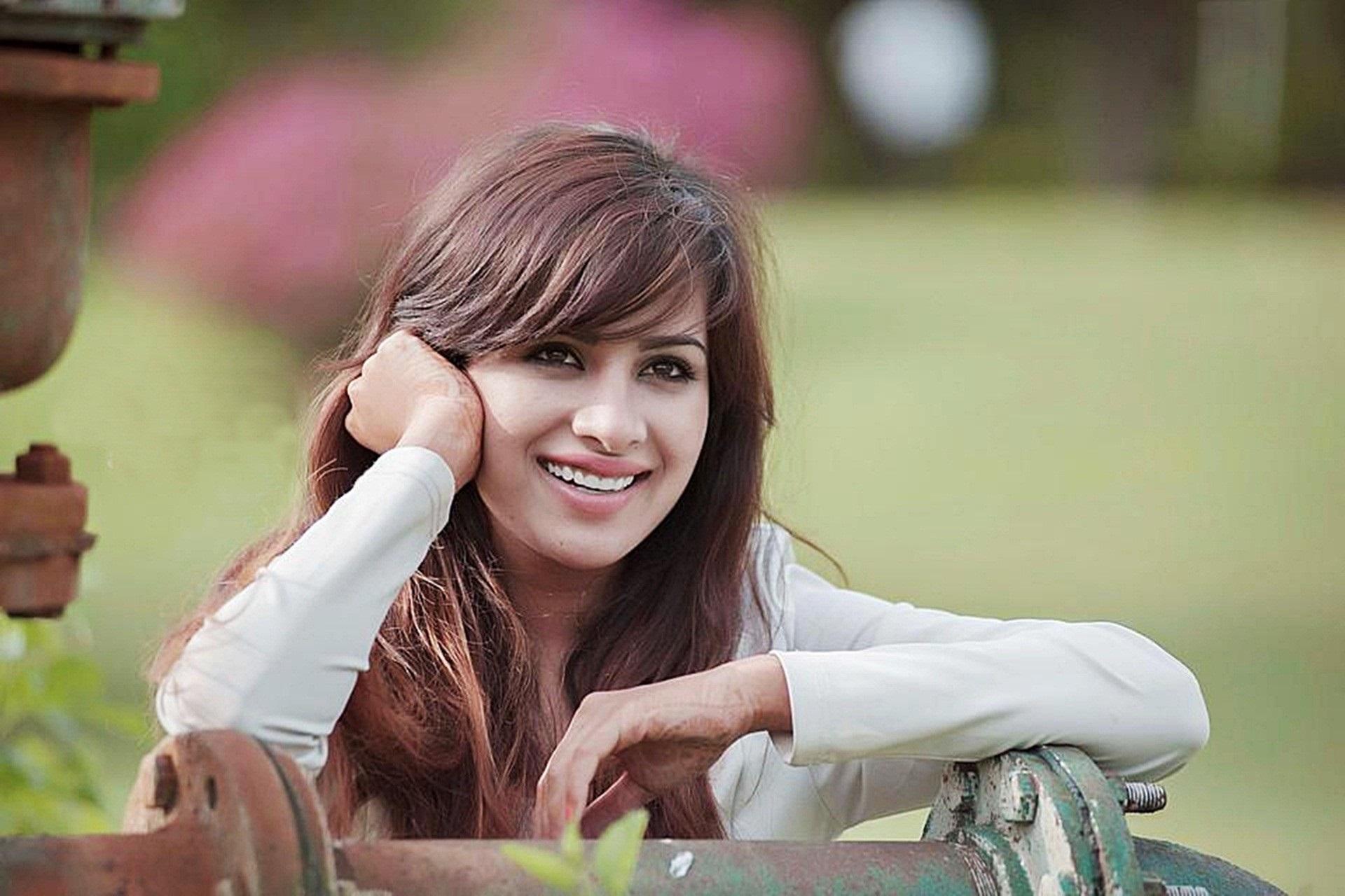 Sara Gurpal Hot Image