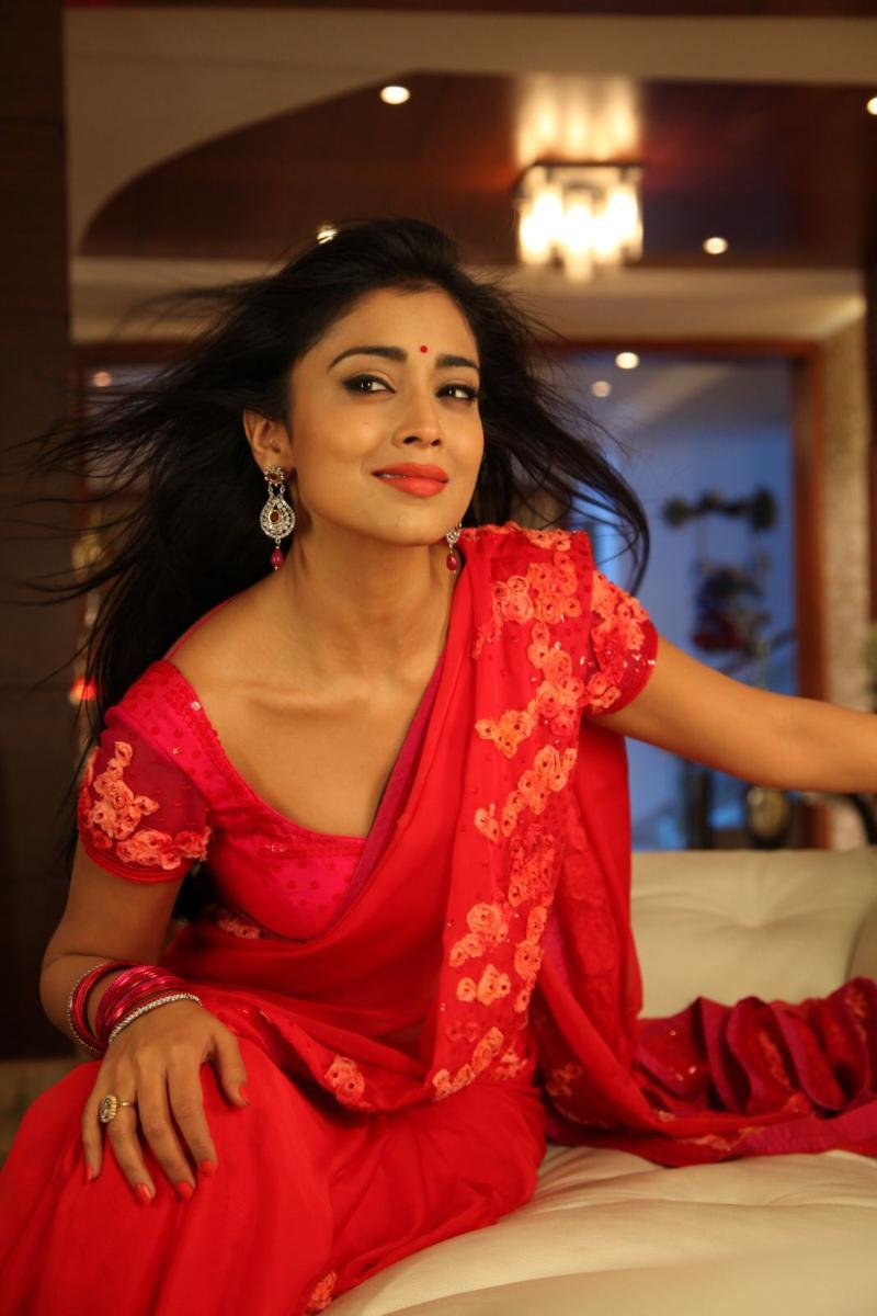 Shriya Saran Hot and sexy wallpaper