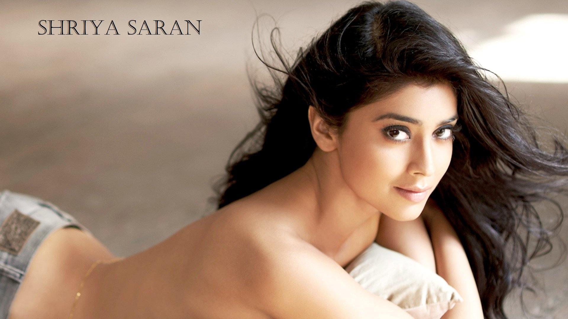Shriya Saran Hot