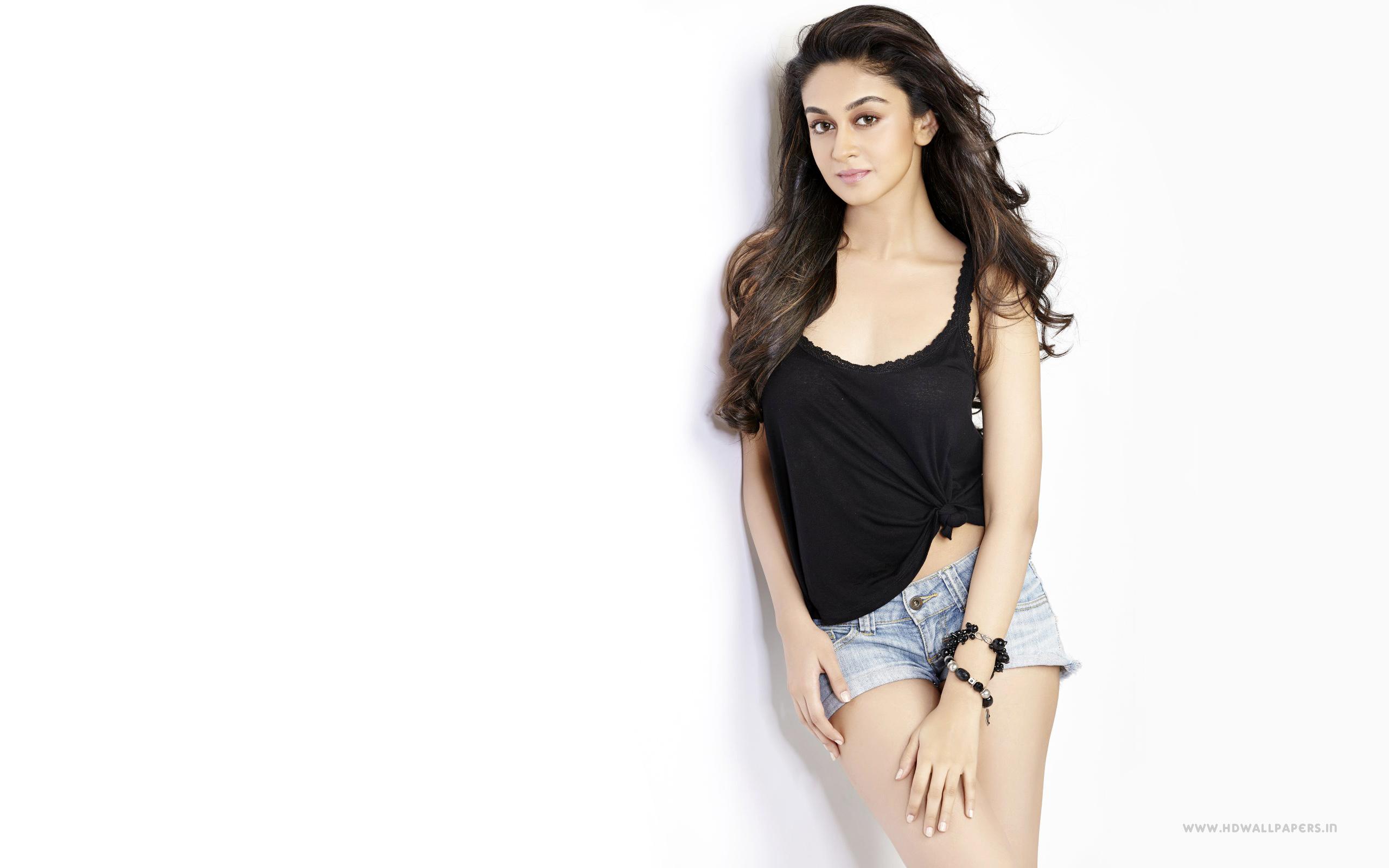 Aishwarya Arjun hot images in tights