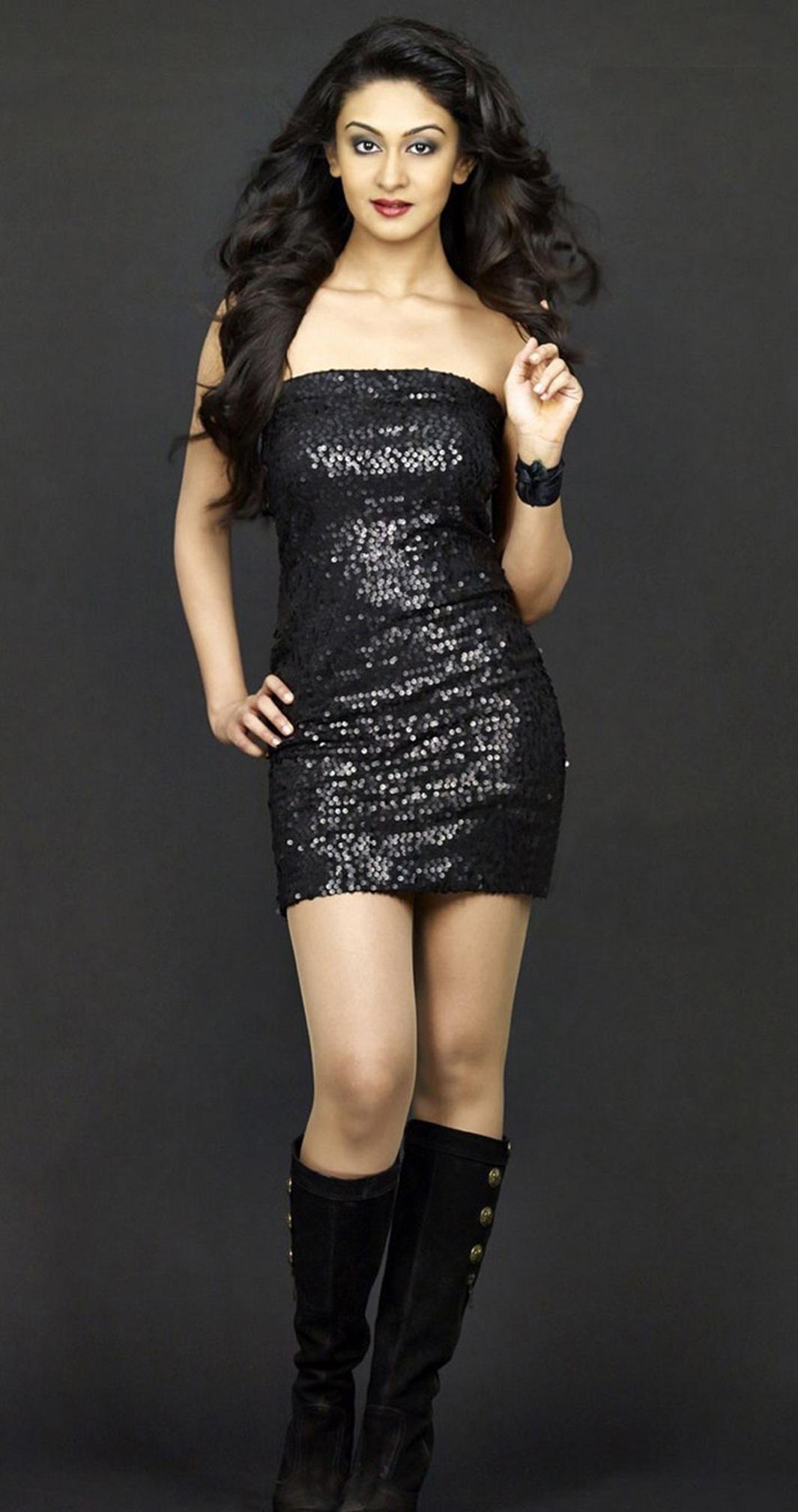 Aishwarya Arjun sexy images