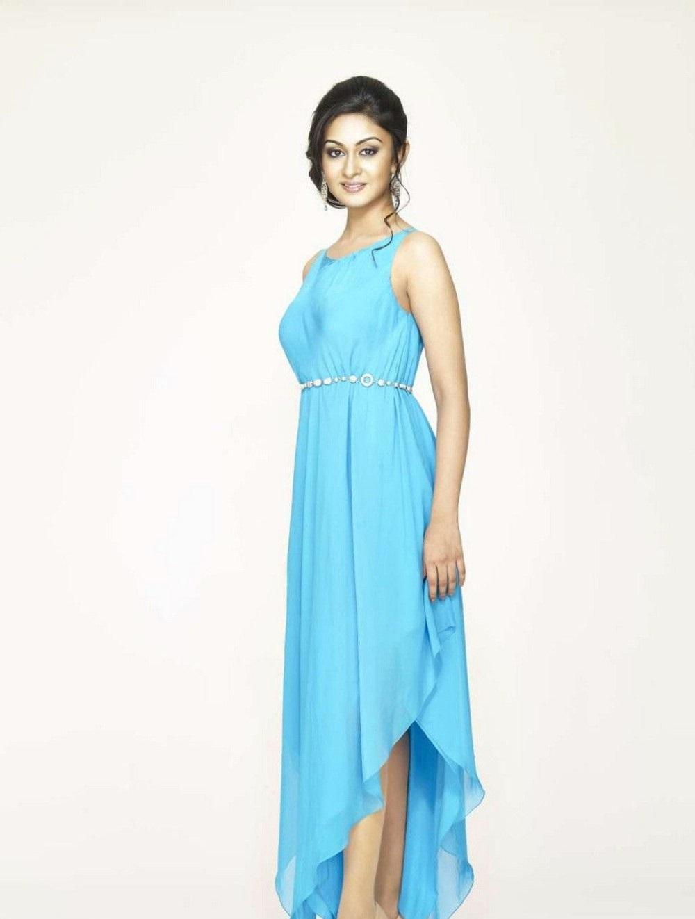 Arjun Daughter Aishwarya Hot Photoshoot Stills
