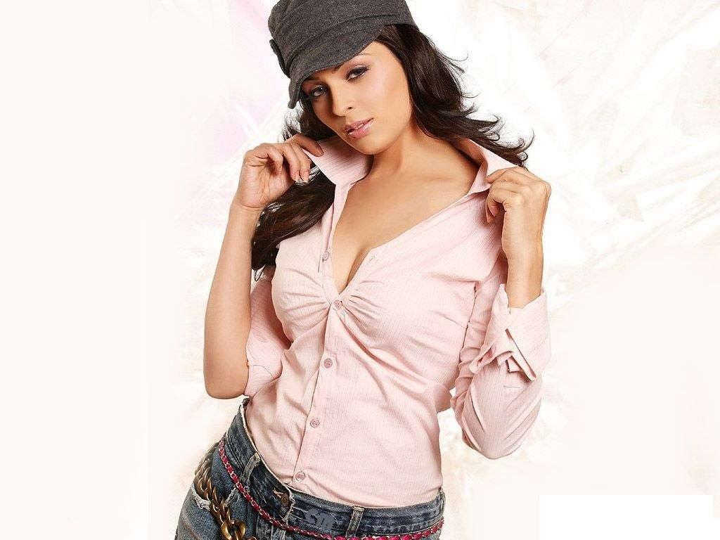 Anjana Sukhani hot and cute wallpapers