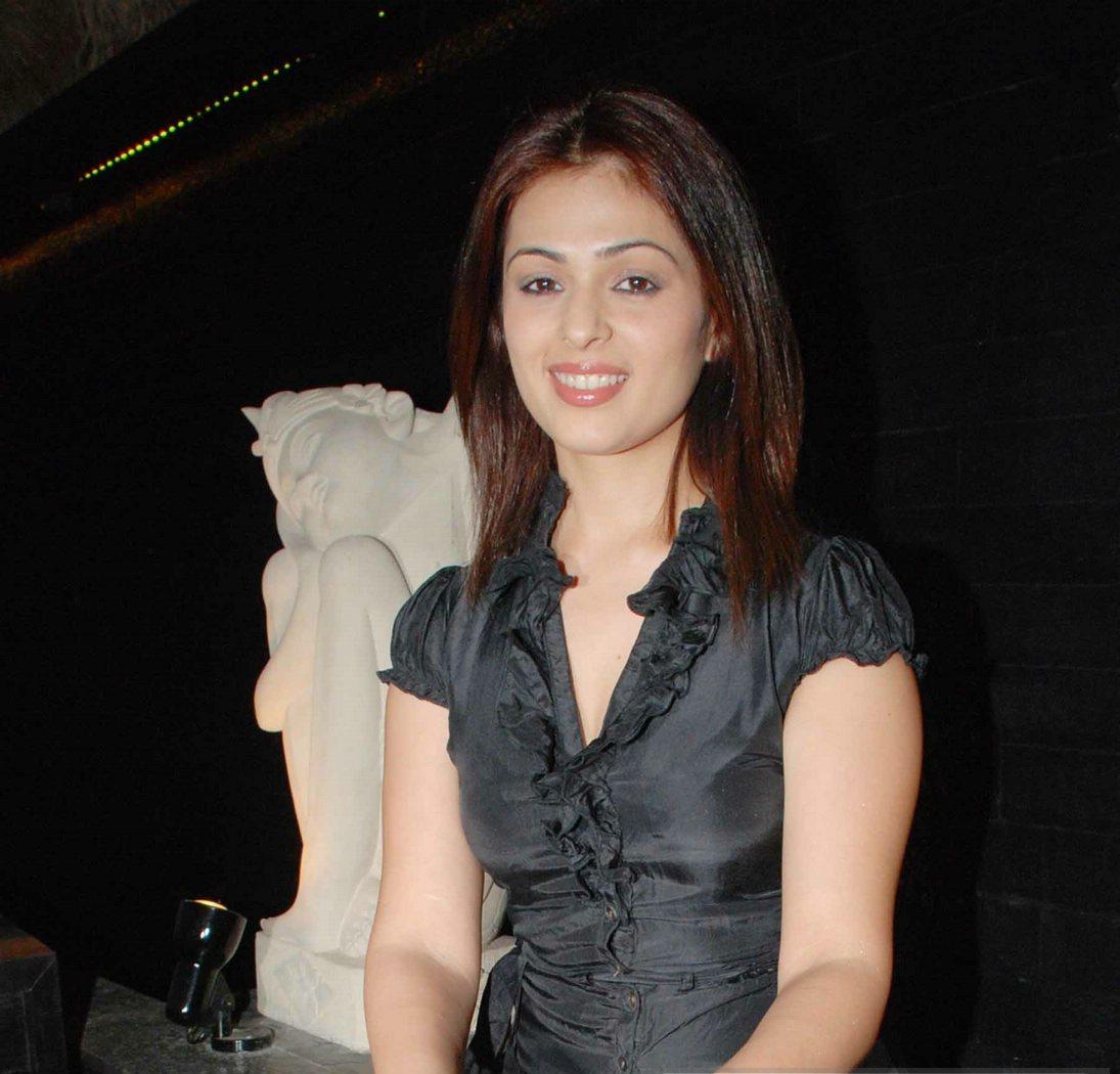 Anjana Sukhani hot and spicy images