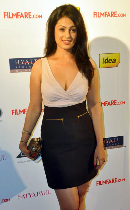 Anjana Sukhani hot in short dress