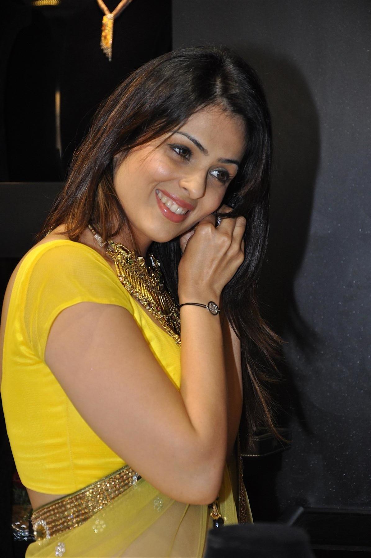 Anjana Sukhani hot wallpapers in bikini