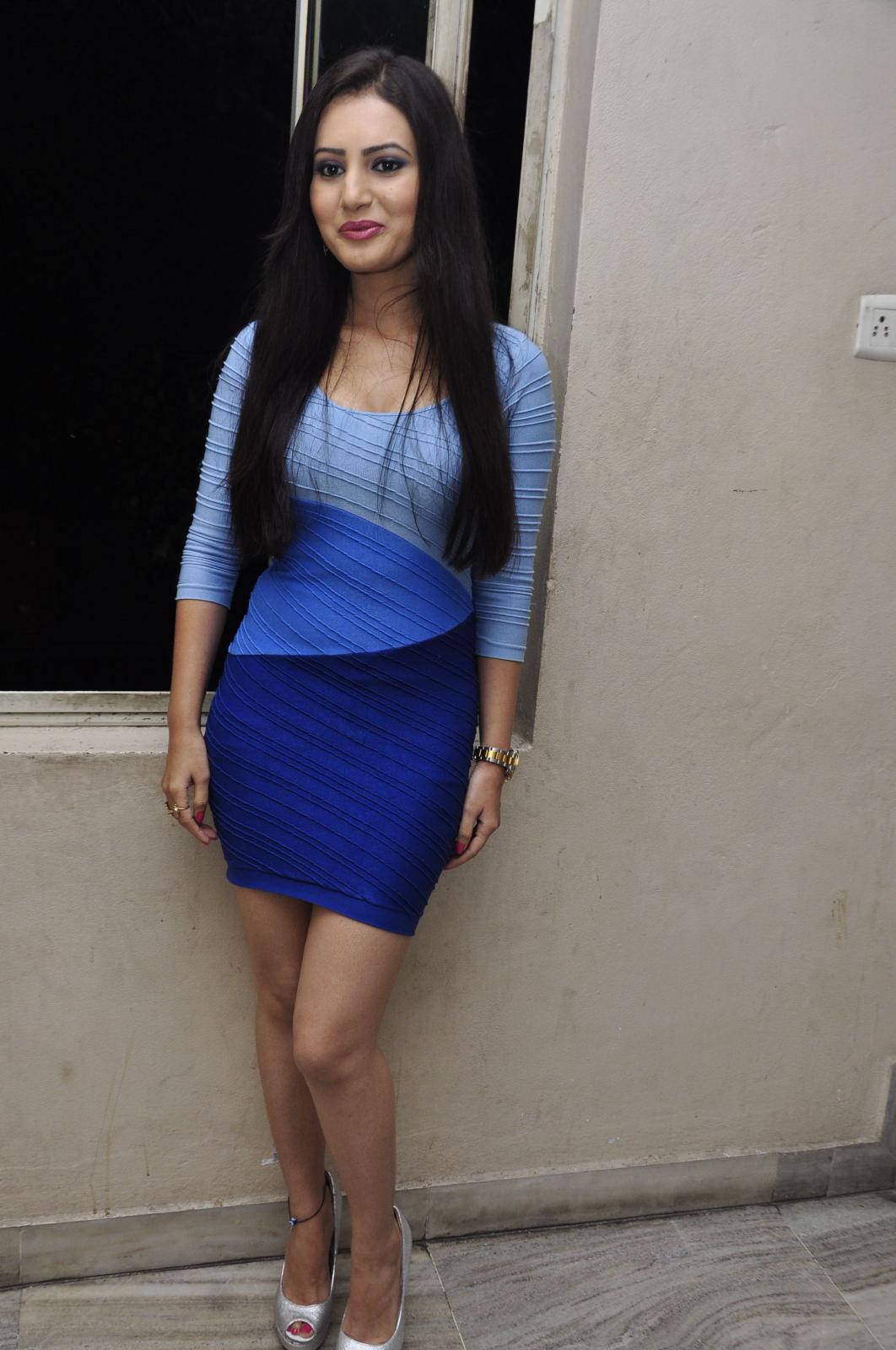 Anu Smruthi hot in blue bikini