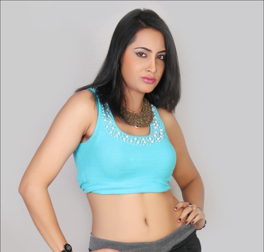Arshi Khan hot pics