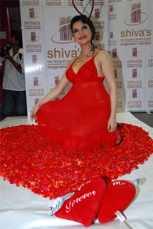 Madhavi Sharma hot in red bikini