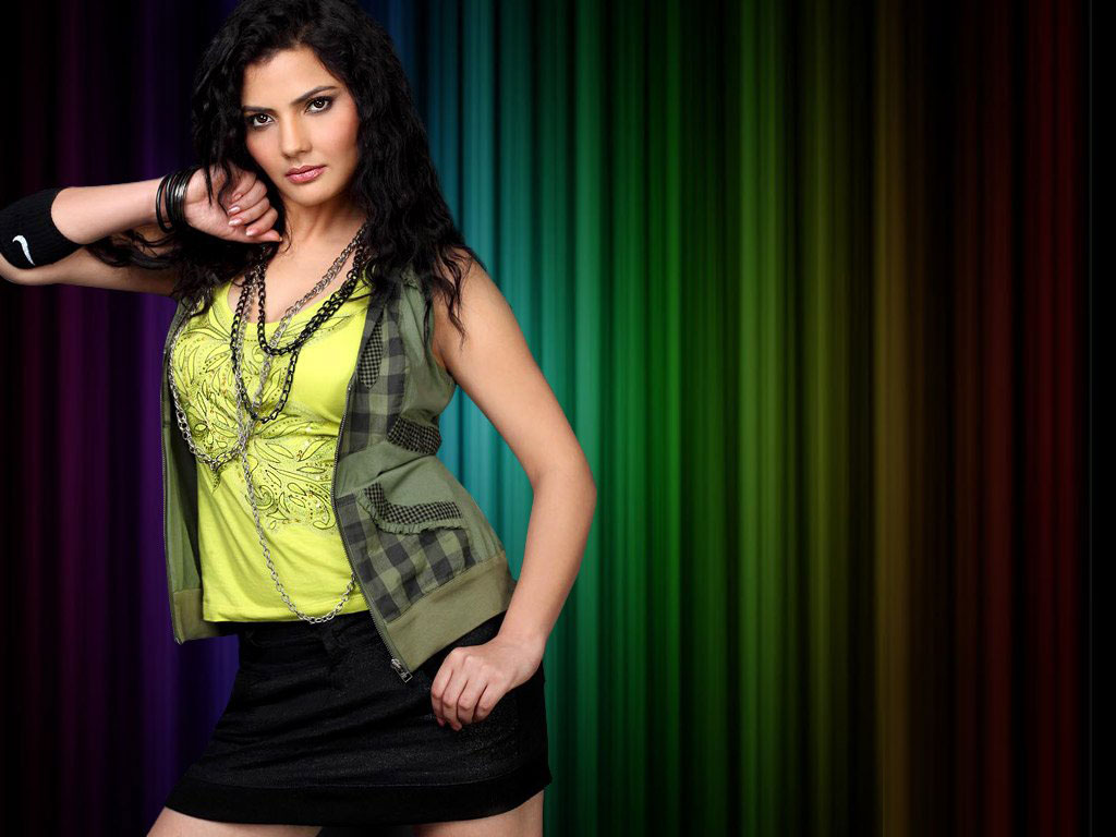 Madhavi Sharma hot unseen topless pics
