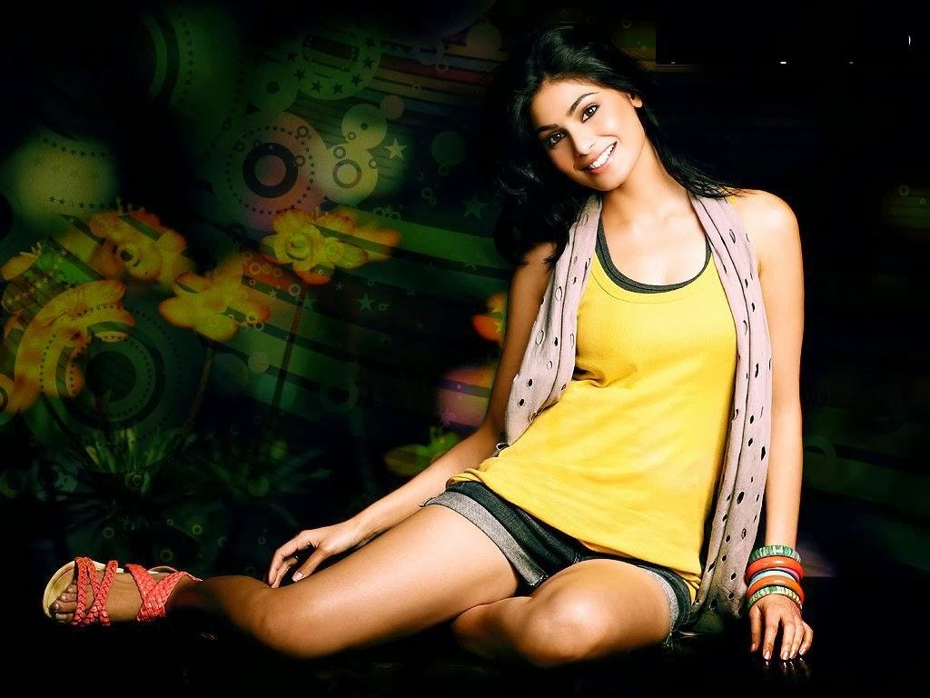Puja Gupta hot and sexy pics