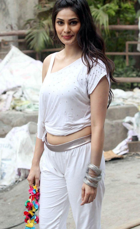 Puja Gupta hot photos in tights