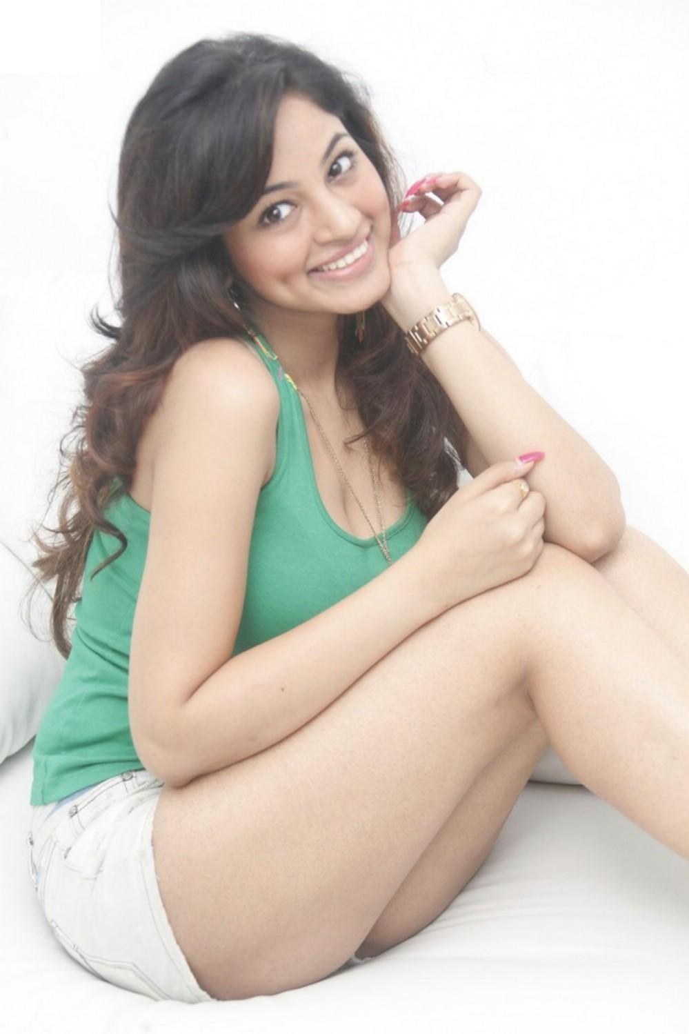 Shilpi Sharma hot sexy body
