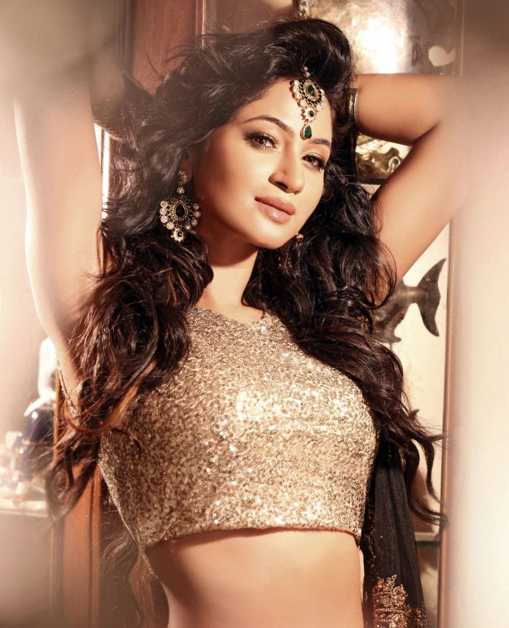 Actress Shilpi Sharma Hot Portfolio Stills
