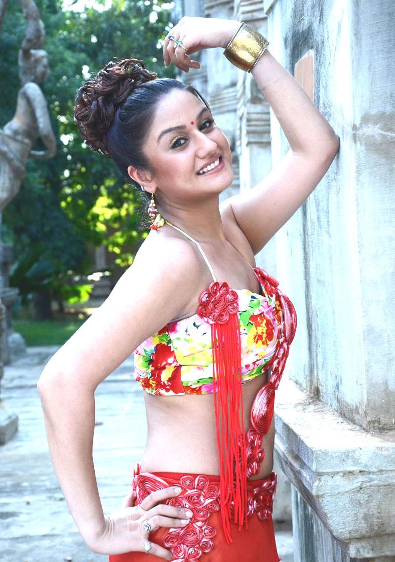 Sonia Agarwal sexy photo