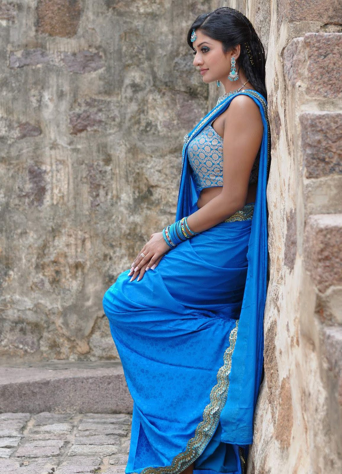 Vimala Raman hot and cute pics