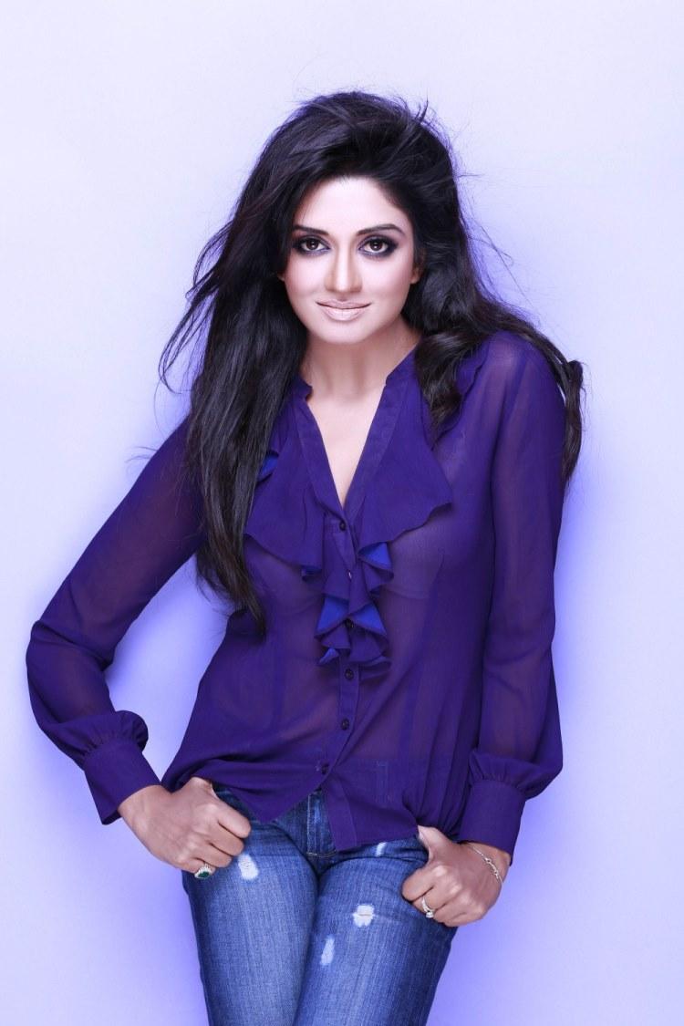 Vimala Raman hot sexy stills