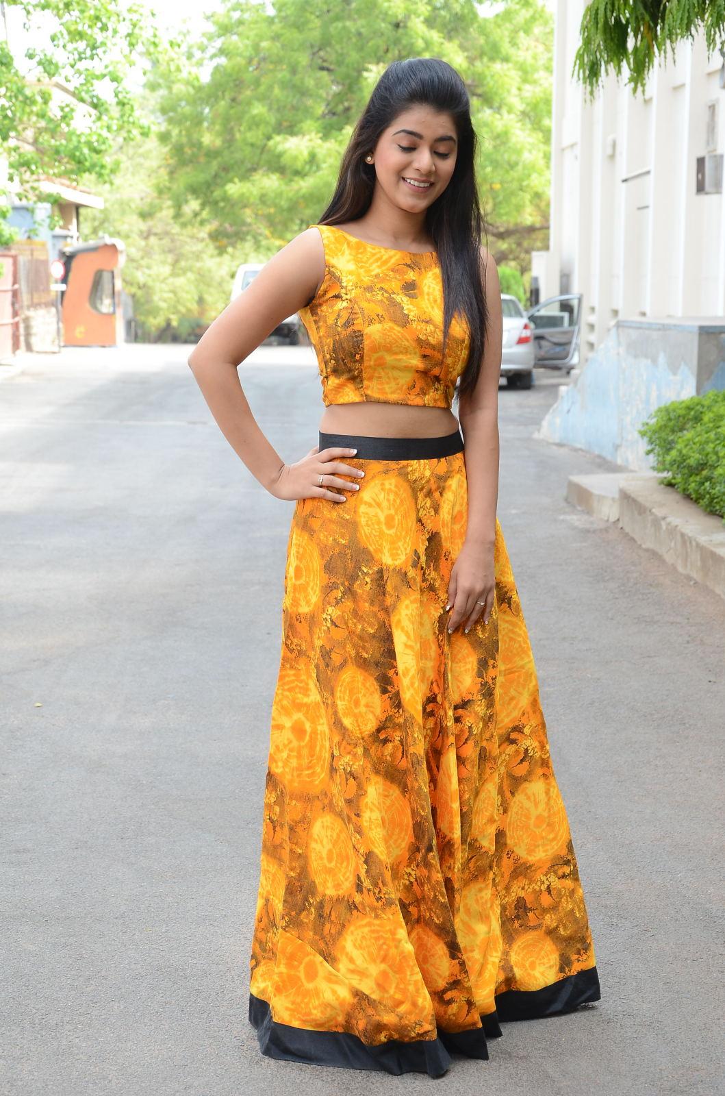 Yamini Bhaskar sexy pictures
