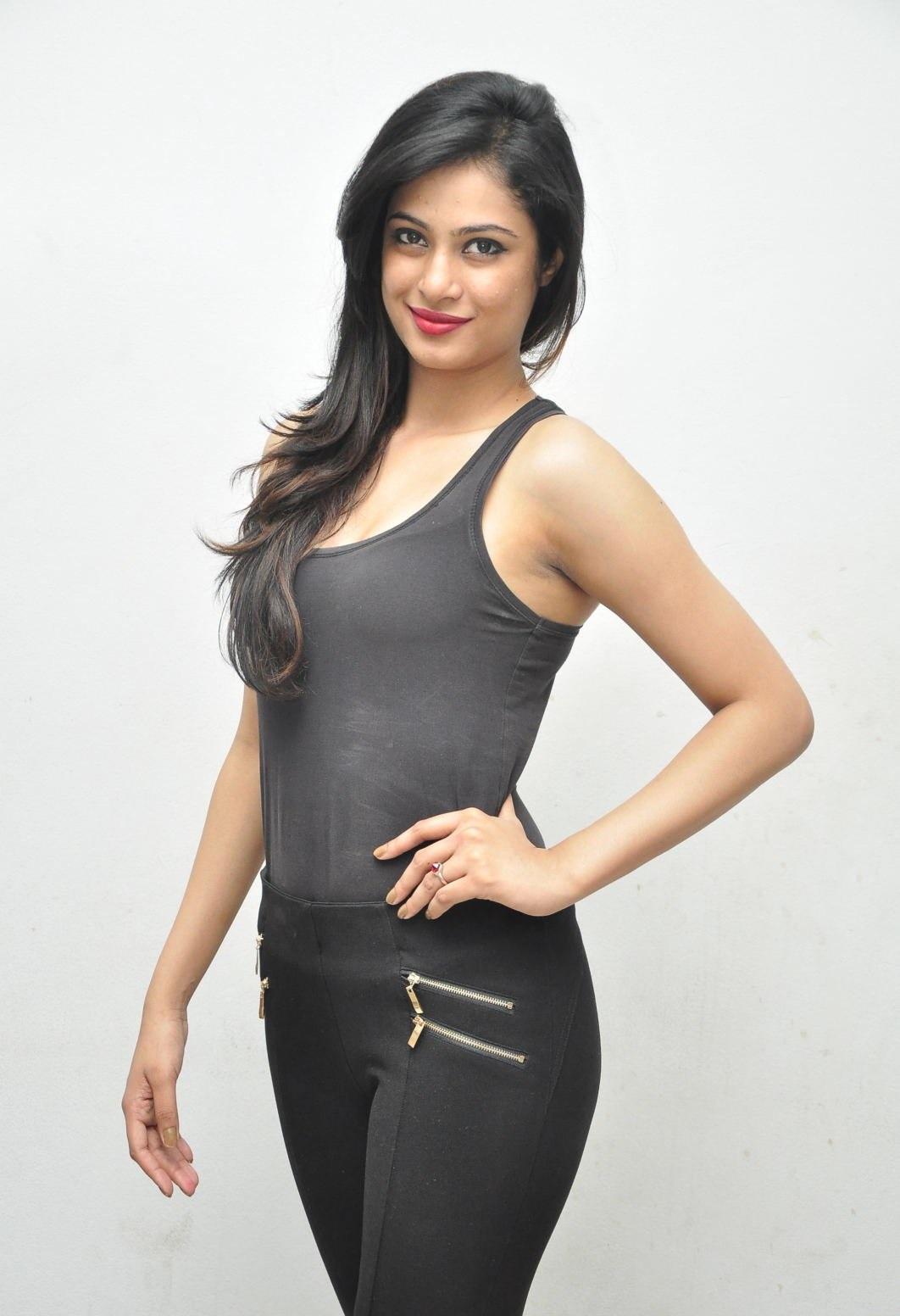 Zara Shah hot in swimsuit