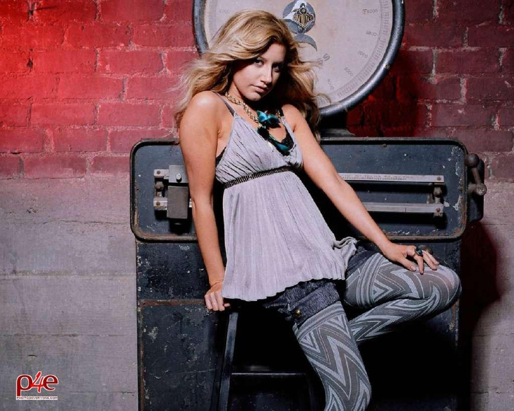 ashley tisdale hot images sexy bikini photos