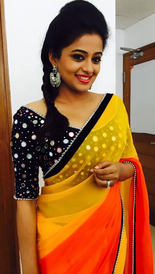 priyamani hot in saree