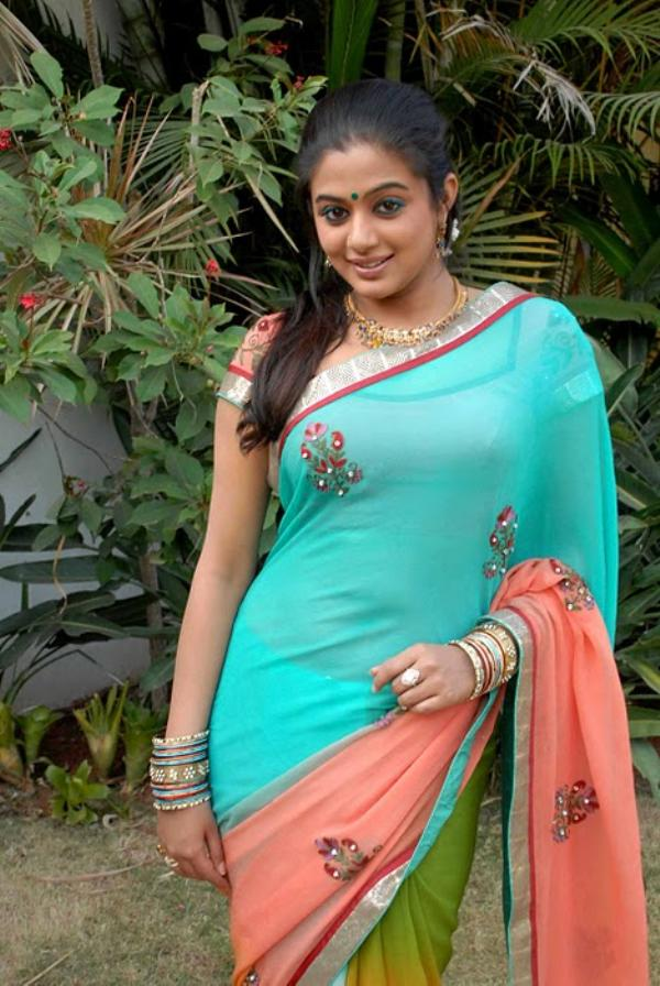 priyamani saree hot and sexy
