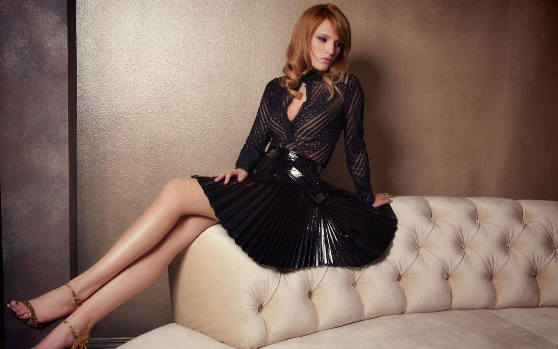 bella-thorne-sexy-legs