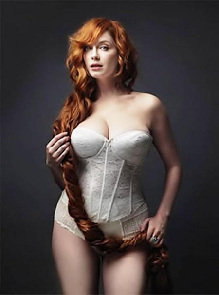 christina-hendricks-hot-photoshoot