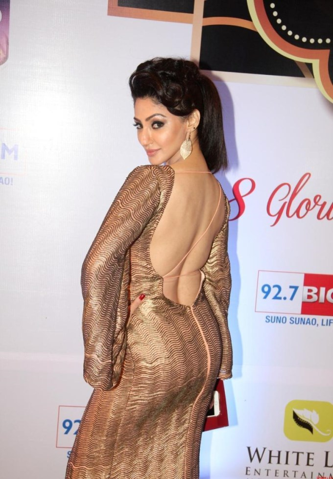 divyanka-tripathi-topless