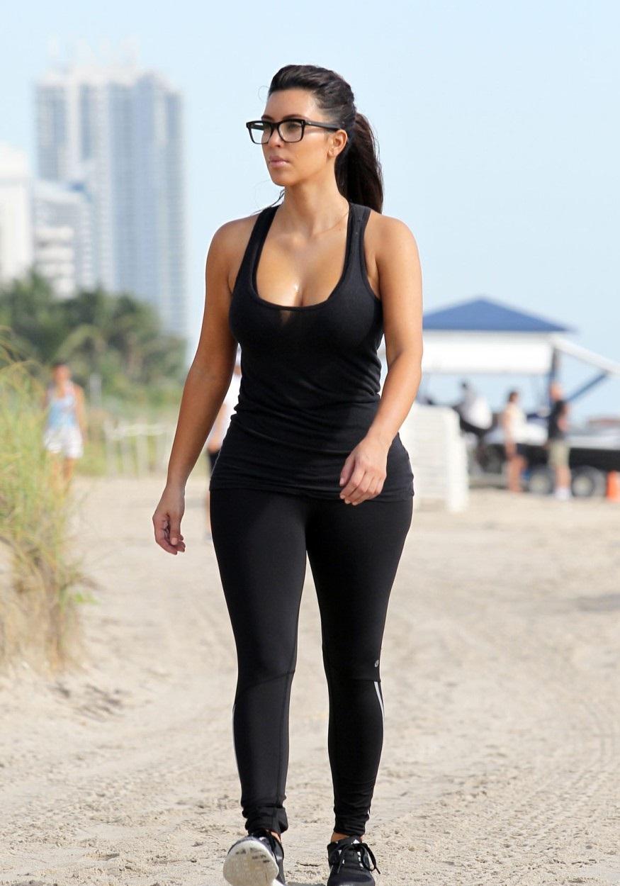 kim-kardashian-sexy-images