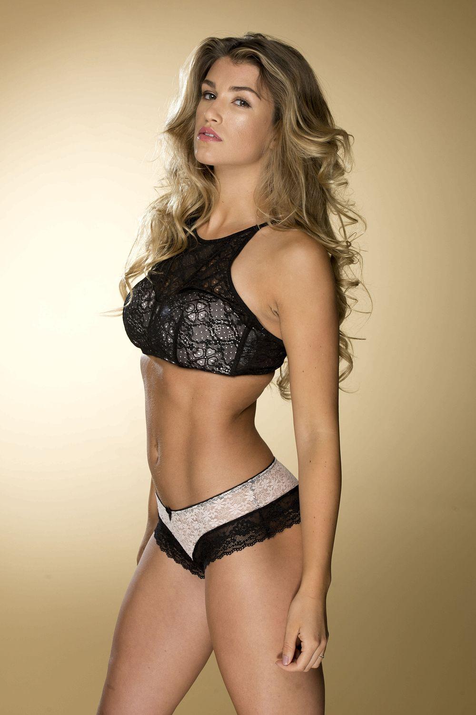 Amy Willerton Hot And Sexy Bikini Photos