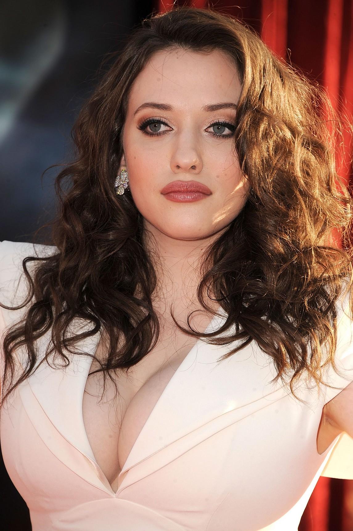 Kat Dennings Hot & Sexy Leaked Photos