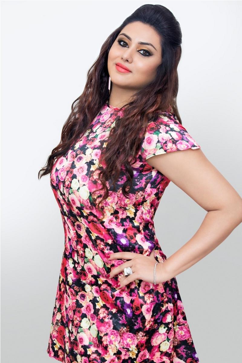 Namitha Hot Photos, Images, Wiki, Hd Wallpapers-5585
