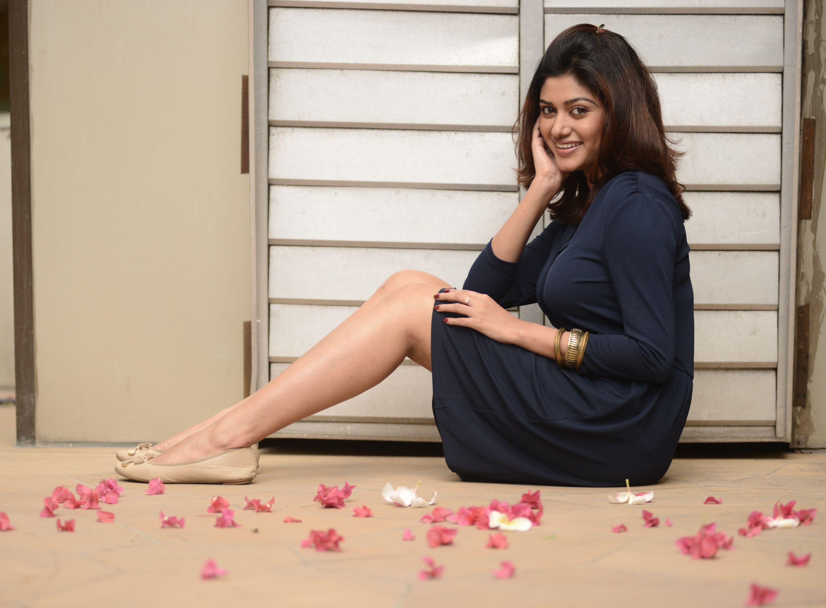 Actress Oviya Photoshoot