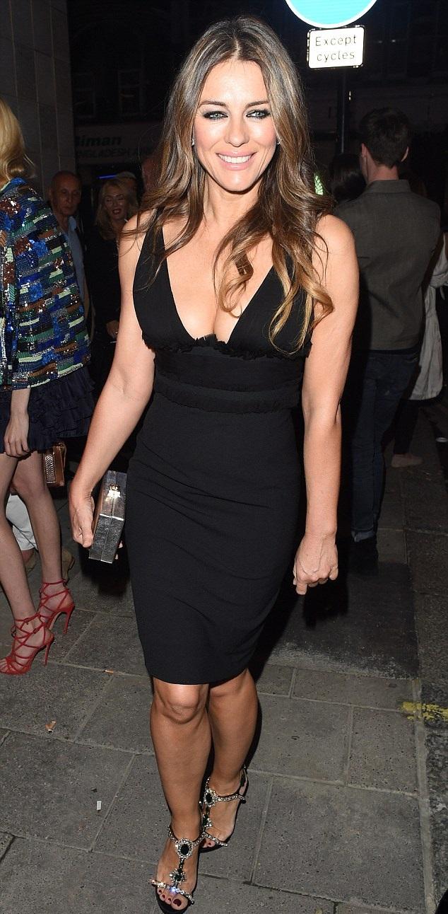 Elizabeth Hurley Hot And Sexy Leaked Bikini Photoshoot-2115