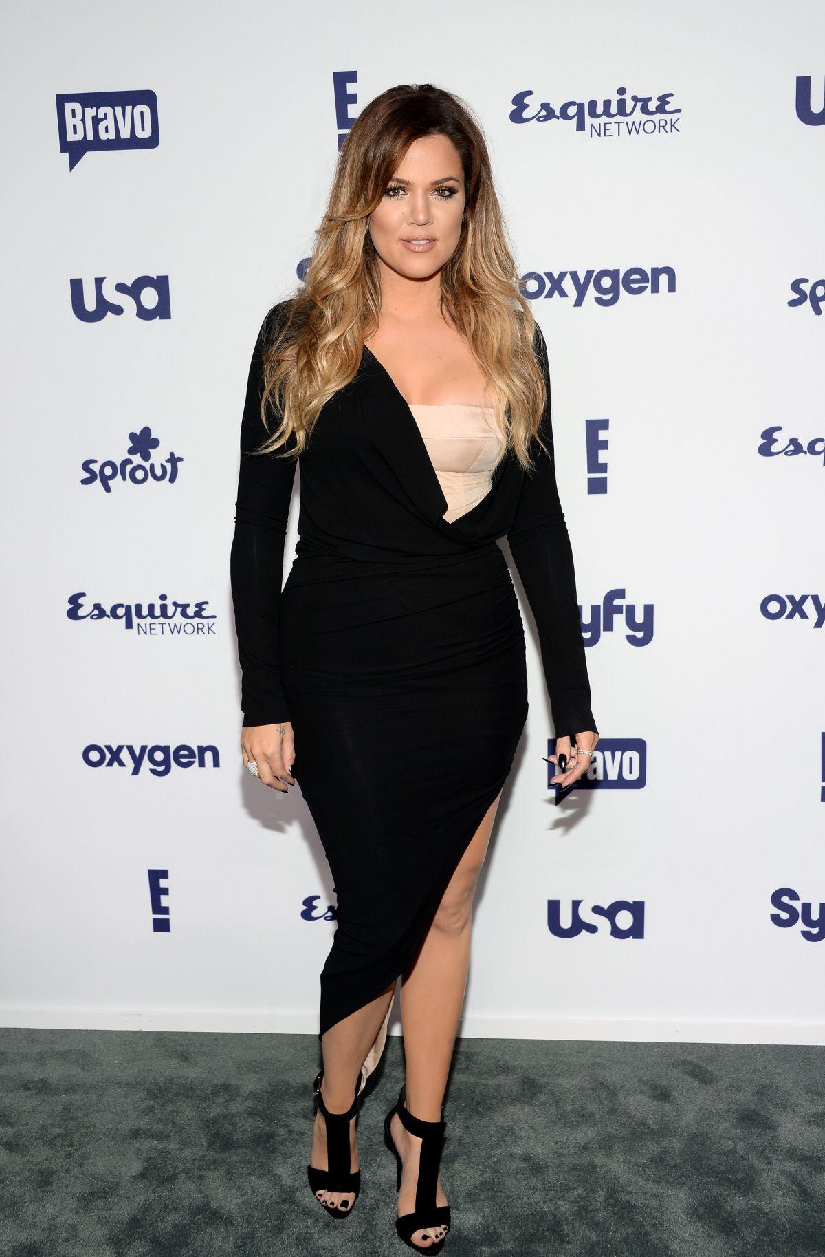 khloe-kardashian-looks-nude