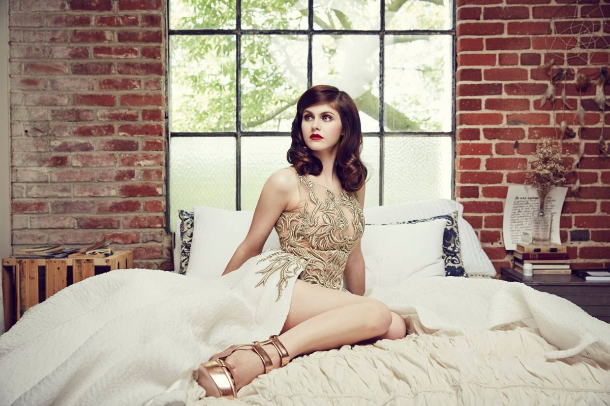 alexandra-daddario-hot-in-lingerie