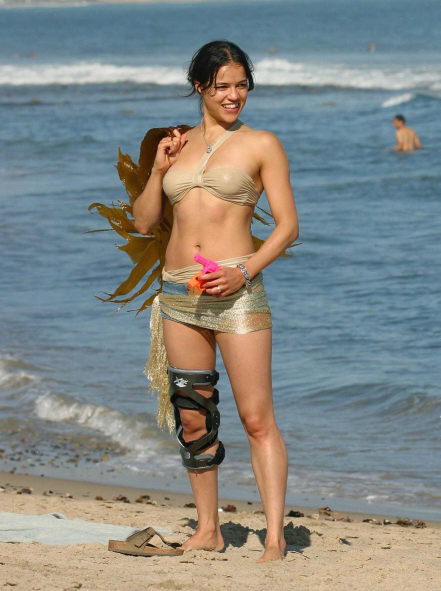 Michelle Rodriguez Hot  Sexy Bikini Leaked Photos-4081