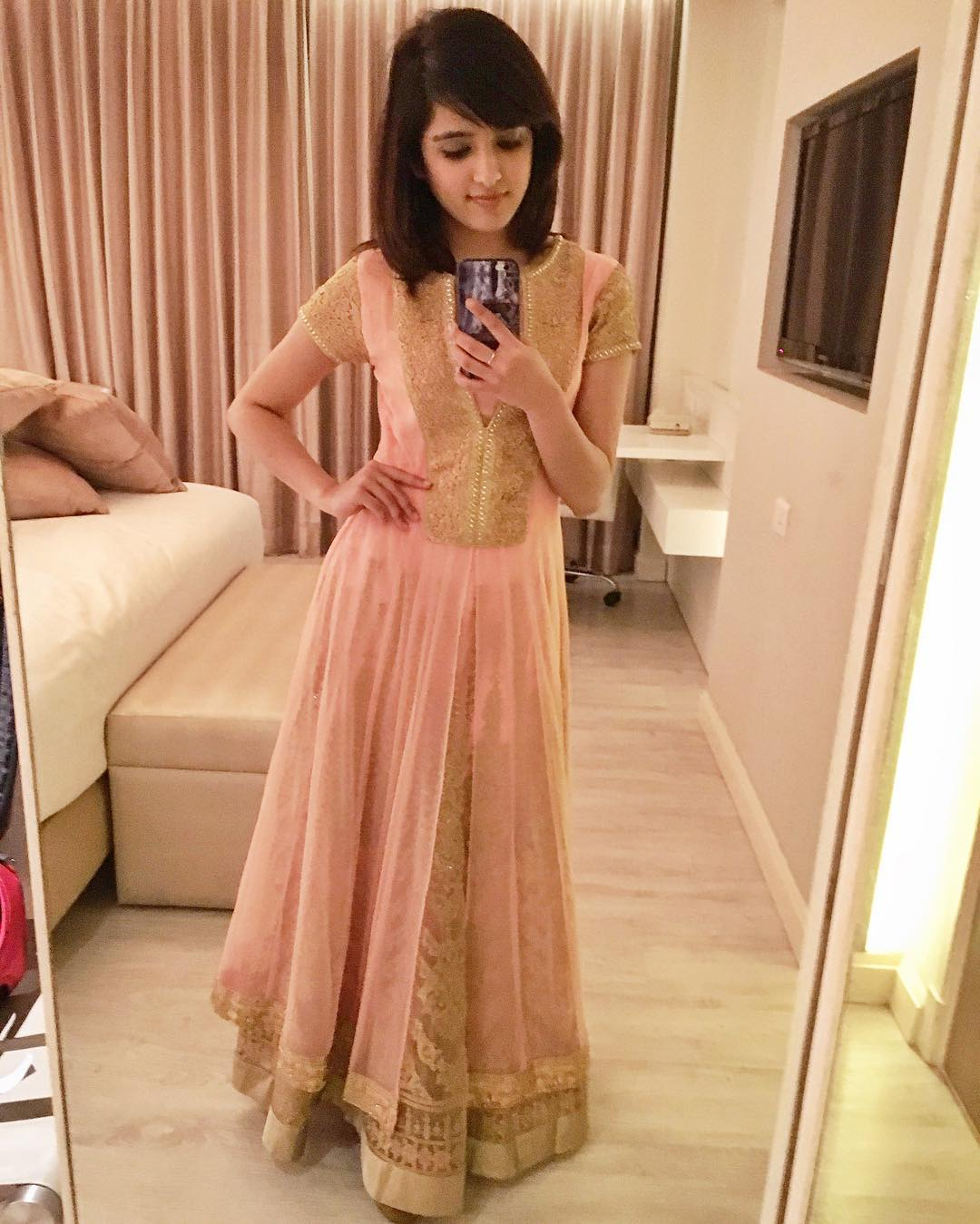 Shirley Setia Hot  Sexy Cute Hd Beautiful Photos
