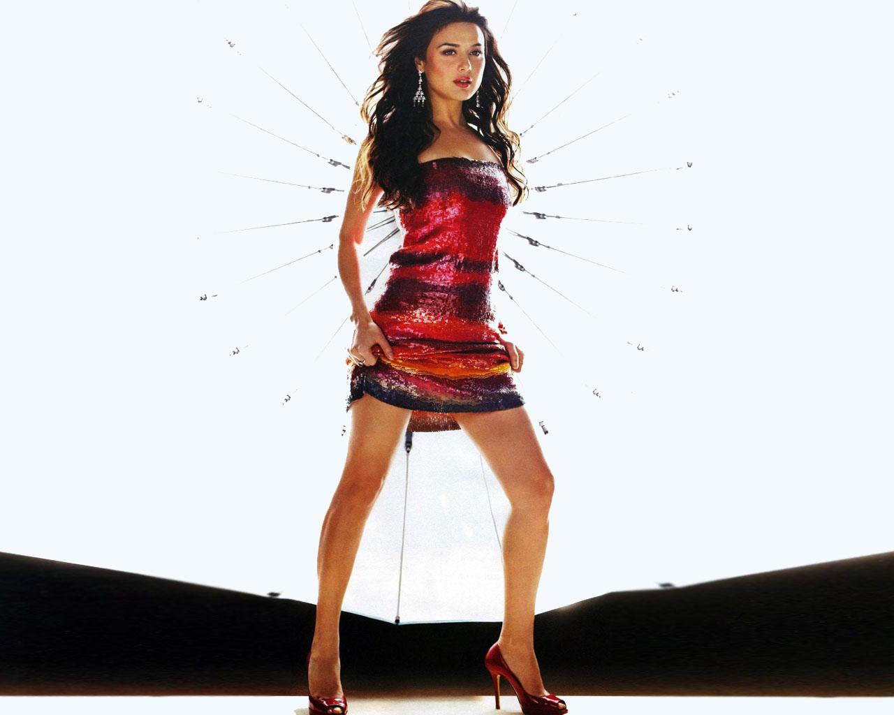 Preity Zinta Hot Leaked Bikini Photos, Hd Images-3428