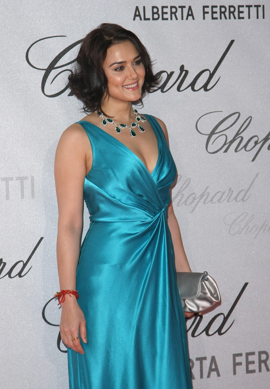 Preity Zinta Hot Leaked Bikini Photos, Hd Images-9669