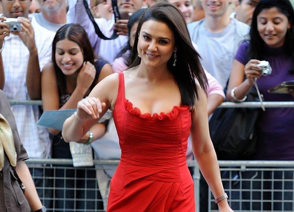 Preity Zinta Hot Leaked Bikini Photos, Hd Images-4803