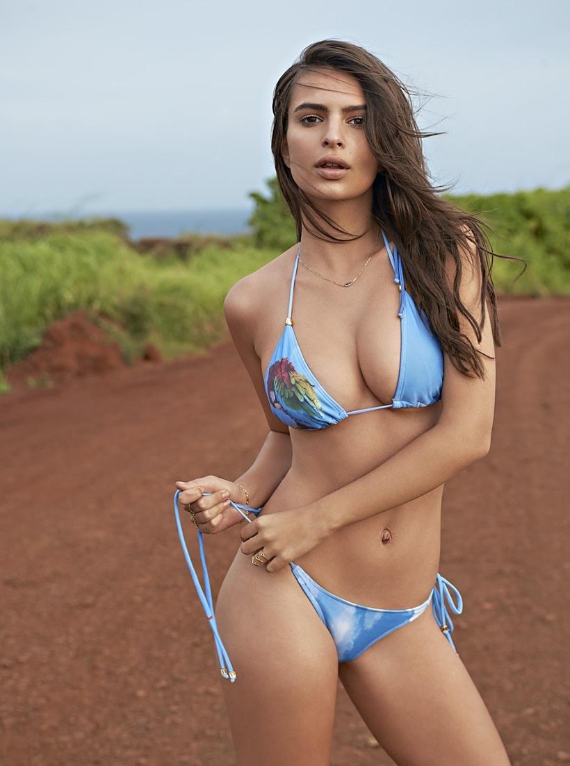 Emily Ratajkowski Hot & Sexy Bikini Pics, Videos & Images