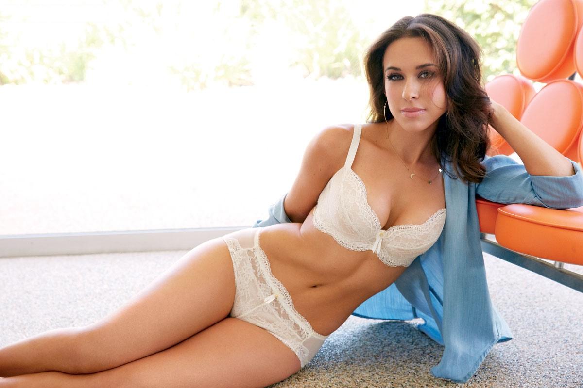 Lacey Chabert Hot Bikini Images, Leaked Sexy PhotosLacey Chabert Hot Wallpaper