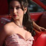 Molly Ephraim sexy photos