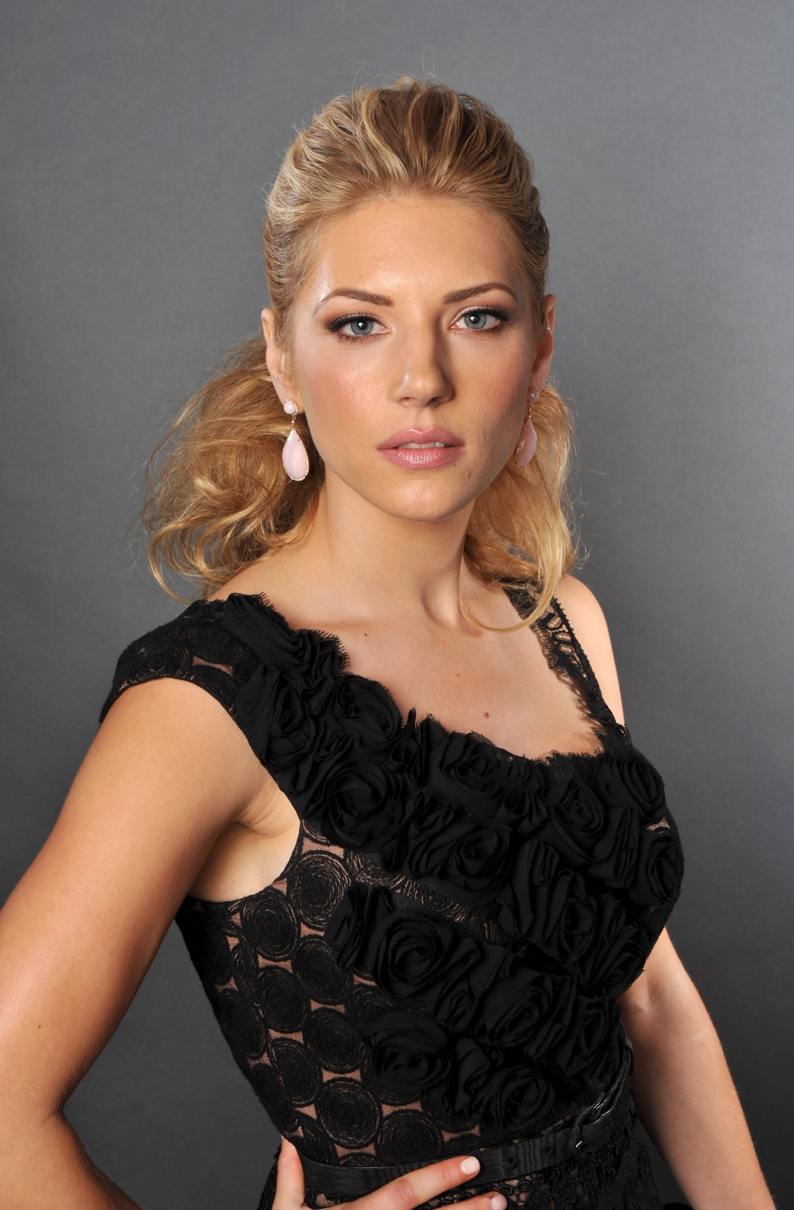 Katheryn Winnick Hot Photos, Sexy Topless Images Gallery