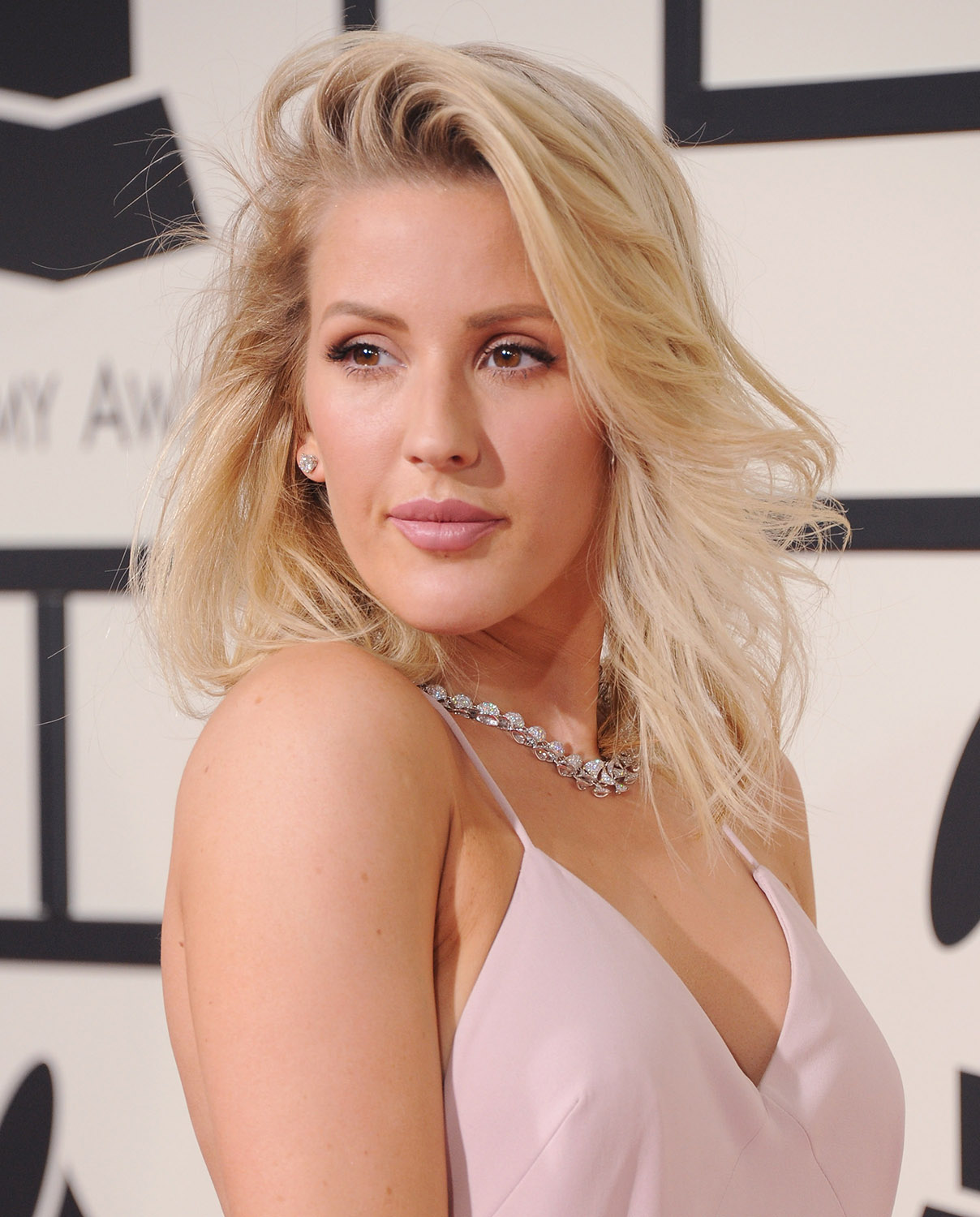 Ellie Goulding Hot & Sexy Bikini Images, Photos and Videos