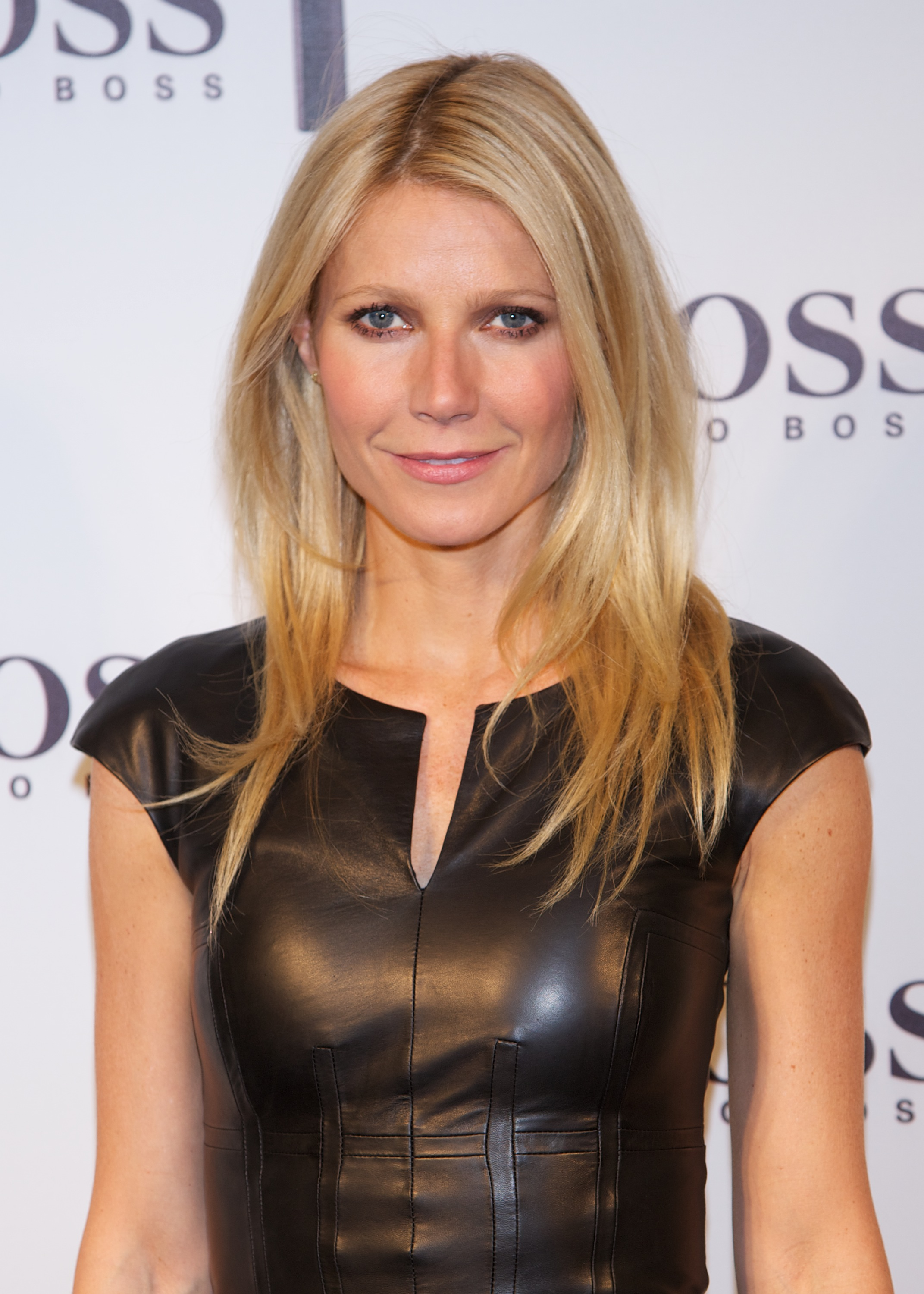 Gwyneth Paltrow Hot Topless Images, Sexy Bikini Pictures-6005